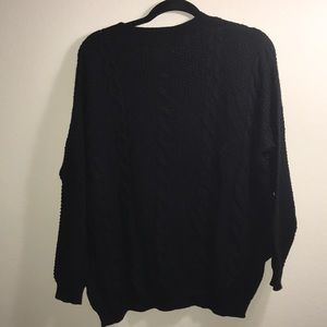 LF Sweaters - NWT🎈LF oversized cable knit sweater